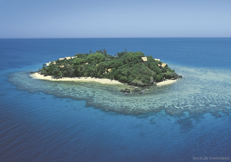 RoyalDavuiarial-shot-of-island