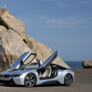 2015 BMW i8 High Performance Plug-In Hybrid Sports 2+2