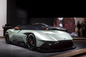 Aston-martin-Vulcan-(1)